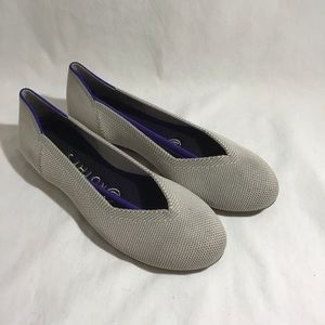 NEW Rothys Ballet Round Toe Flat Shoe Creme Solid